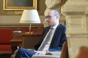 """Minister van Financiën over zijn grote fiscale hervorming: """"Ik ben niet aan het hopen op de grote hervorming Van-Peteghem"""""""