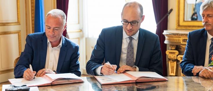 Minister Van Peteghem maakt FPIM motor van  innovatie en economische groei